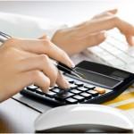 Consumidor deve usar a primeira parcela do 13º salário para pagar dívidas, orienta Serasa Experian
