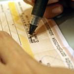 Inadimplência com cheques sobe em maio, revela Serasa Experian