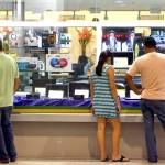 Intenção de consumo das famílias bate nova mínima histórica