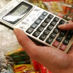 Inflação para famílias com renda mais baixa avança em maio